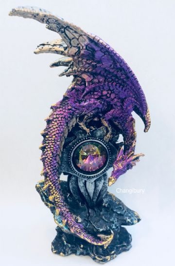Mythical Gothic Dragon PURPLE with GEODE EMBLEM Crystal DRG386C